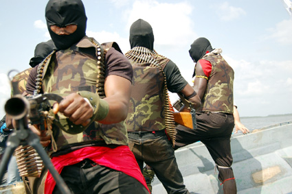 Foto: Pirații din vestul Africii au îngrozit shipping-ul mondial