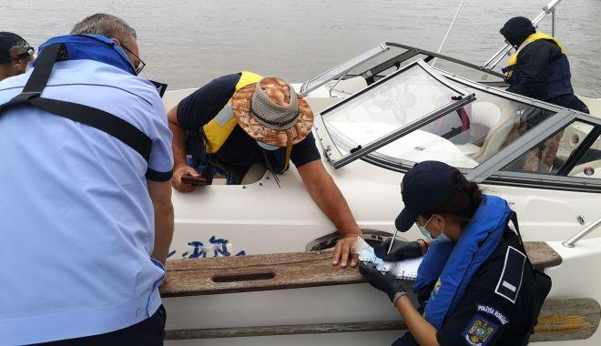 Foto: Razii pe mare: ambarcațiunile de agrement și pescuit, controlate de polițiști
