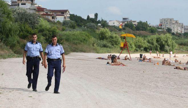 Polițiștii au împărțit sfaturi, în orașul Năvodari și stațiunea Mamaia - politistilamare-1626169461.jpg