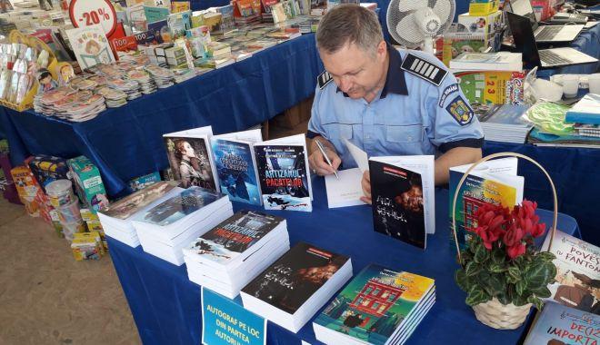 """""""Arca Șerpilor"""", un nou roman lansat de polițistul constănțean Alexandru Florin - politistulscriitor1-1626200337.jpg"""