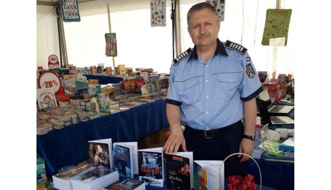 """""""Arca Șerpilor"""", un nou roman lansat de polițistul constănțean Alexandru Florin - politistulscriitor2222-1626200408.jpg"""
