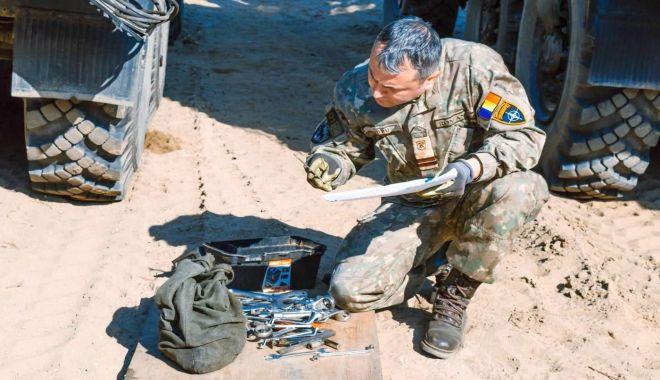 Foto: Pregătirea pentru rotația militarilor români, în Polonia