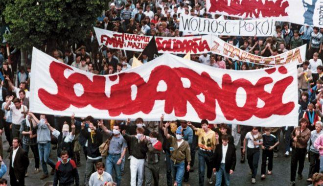 30 de ani de la căderea comunismului. Polonia, cap în