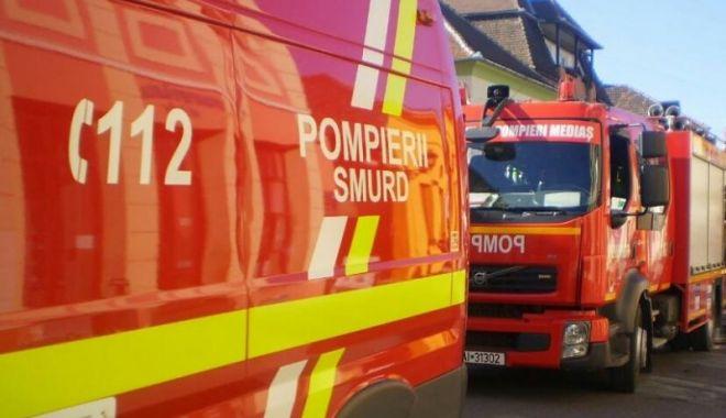 Accident devastator în Cluj. O femeie a murit strivită sub mașină, alte 3 persoane, rănite - pompieri-1631461695.jpg