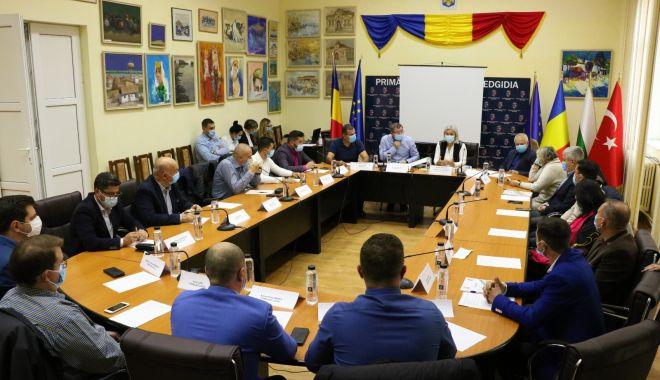 Consilierii locali au alocat mai mulţi bani Clubului Sportiv Medgidia - primariamedgidia-1605725299.jpg