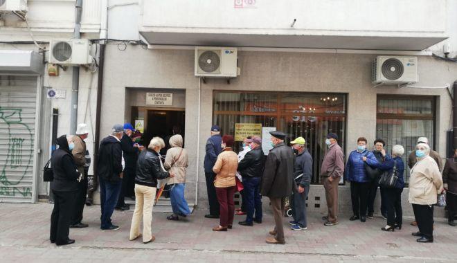 Protest al membrilor Casei de Ajutor Reciproc a Pensionarilor Constanţa. Se cere destituirea preşedintelui - protest-1618486368.jpg