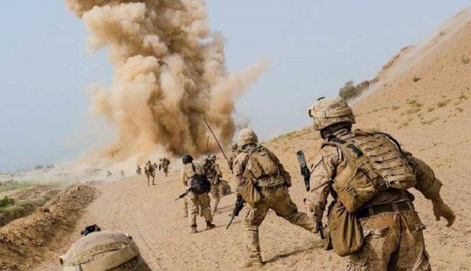 SUA amenință talibanii cu noi atacuri aeriene dacă nu își opresc ofensiva în Afganistan - razboi-1627296137.jpg