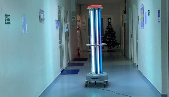 Foto: Robot care distruge toți microbii, la Spitalul de Boli Infecțioase Constanța