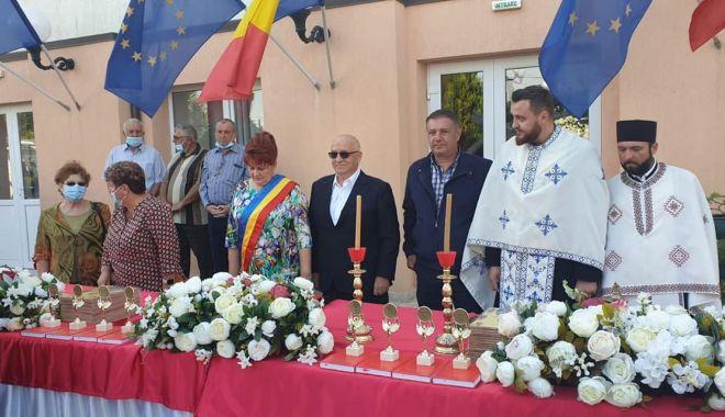 Primarul Dorinela Irimia, mereu alături de elevii și profesorii din comuna Saraiu - saraiu1-1631641508.jpg