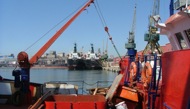 Foto: Scad amenzile pentru încălcarea regulilor de navigație