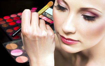 Constănțenii sunt așteptați la prima ediție a SEB - Salon Expozițional Beauty - sebestetique-1369231565.jpg