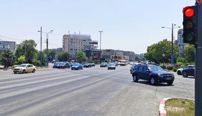Semafoarele din intersecția de la Dacia, resincronizate. Şoferii, sfătuiţi să circule cu atenţie - semaforizarea-1626785106.jpg