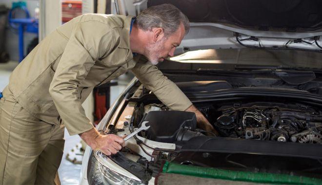 De ce trepidează maşina când frânezi? - serviceauto-1613720963.jpg