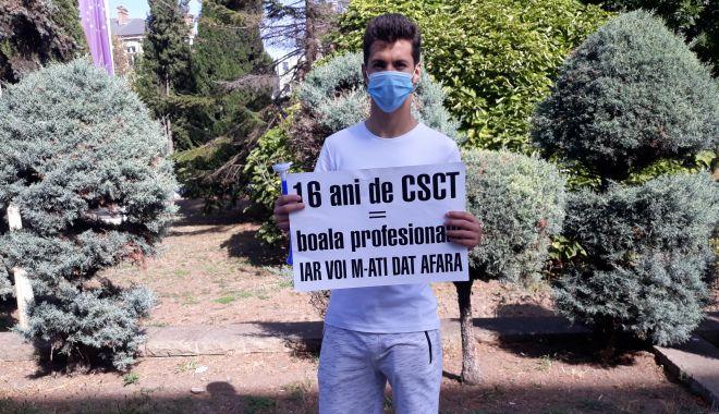 """Sindicaliștii au protestat sub geamul prefectului împotriva """"abuzurilor"""" de la CSCT - sindicalittiiauprotestatsubgeamu-1602094466.jpg"""