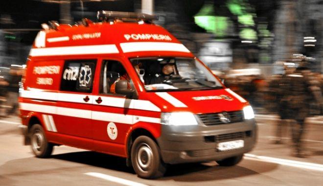 A INTRAT CU MAȘINA ÎN POD! Accidentul s-a soldat cu trei victime - smurd70139200-1612949232.jpg