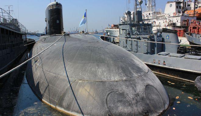 """Foto: Submarine de la greci sau cai verzi pe pereți? """"Vrei să torpilezi familii întregi de bravi amirali?"""""""