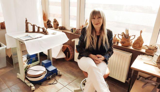 Dr. Diana Meliu Cîrjaliu îmbină psihiatria cu pasiunea pentru ceramică - sus-1618150725.jpg