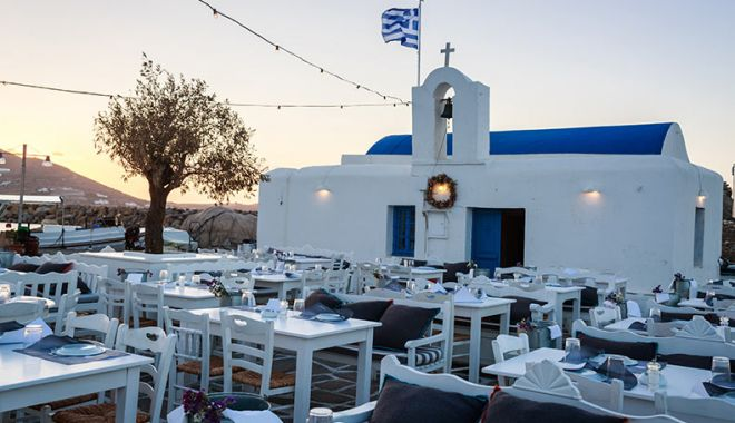 Grecia a redeschis terasele, cafenelele si restaurantele după o pauză de șase luni - traditionalfishrestaurantsnaouss-1620043035.jpg