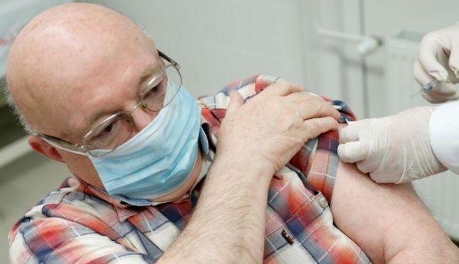 Ungaria îşi vaccinează populaţia cu a treia doză - ungaria-1626460003.jpg