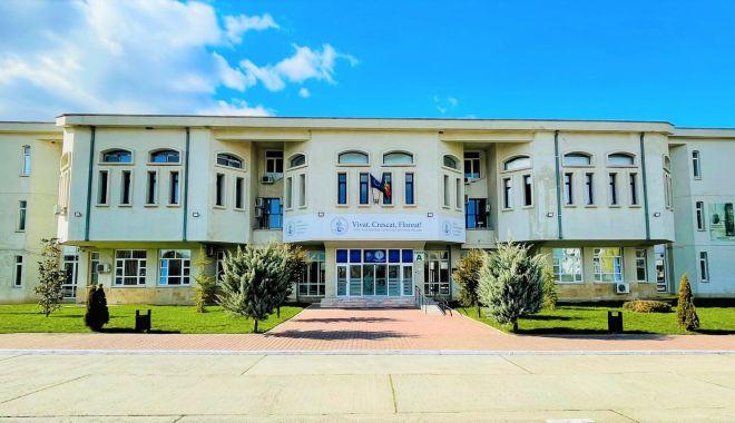 """Universitatea """"Ovidius"""" vrea să atragă cât mai mulţi studenţi străini - universitatea-1634146669.jpg"""