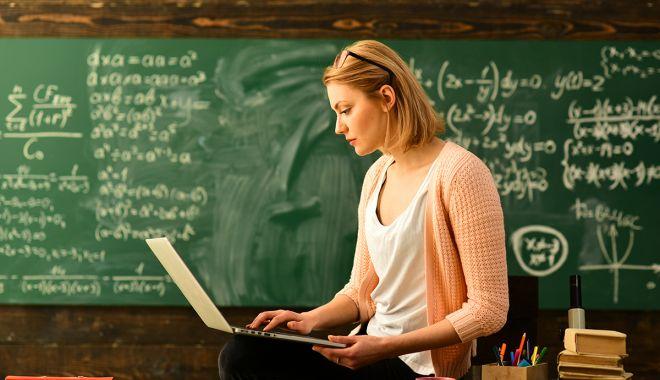 """Studenţie pe timp de pandemie! """"Profesorii predau de la facultate şi nu de acasă!"""" - universitati-1602687823.jpg"""