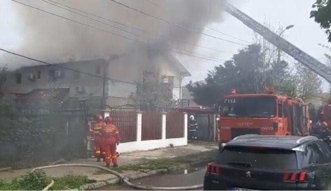 VIDEO. Incendiu violent, în Eforie Sud - untitled-1619963859.jpg