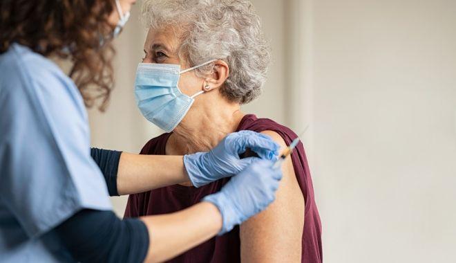 Vaccinul anti-COVID, administrat simultan sau la orice interval cu vaccinul antigripal - vaccinulanticovid-1631459347.jpg