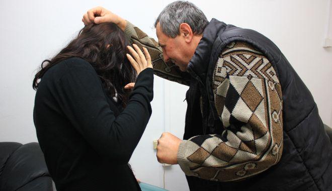 Constănțean evacuat din locuință, după ce și-a bătut soția - violentadomestica-1620238672.jpg
