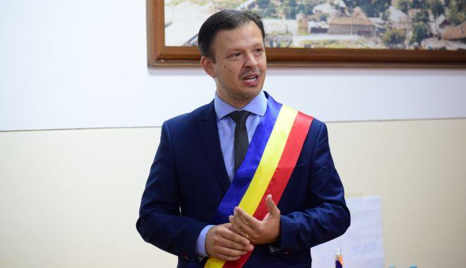 """Primarul Viorel Ionescu, de la Hârșova: """"Orașul nostru continuă să se dezvolte"""" - viorelionescupiete-1610899409.jpg"""