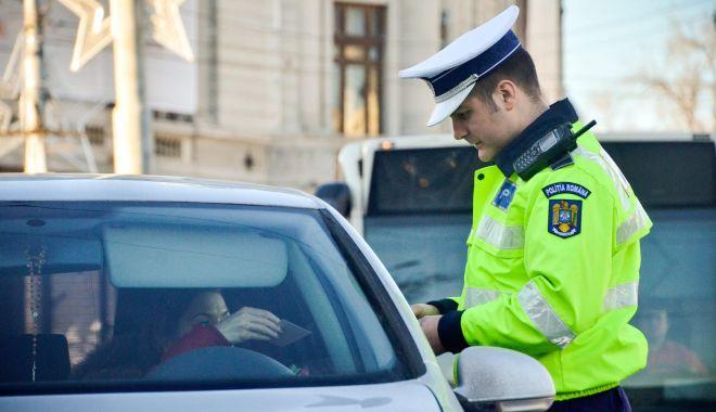 RAZIE DE AMPLOARE pe șoselele din județul Constanța. Zeci de șoferi lăsați fără permisele auto! - xrutierasuteamenzi-1634037715.jpg