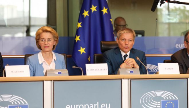 Dacian Cioloş, discuţie cu Ursula von der Leyen despre criza politică din România - zjk1yjaxyjbjnzqyytvlmja4ndzmzmm3-1631604590.jpg