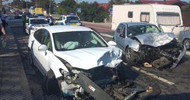 GALERIE FOTO/ Accident rutier grav în 23 August. Opt persoane au fost rănite