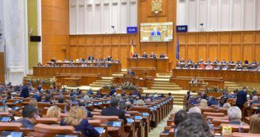 Românii din diaspora vor avea la dispoziţie două zile pentru a vota la parlamentare