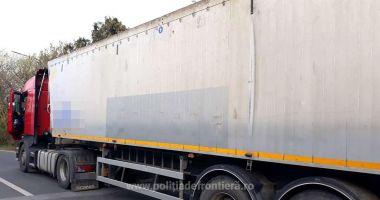 Încă un camion cu deșeuri oprit la graniță!
