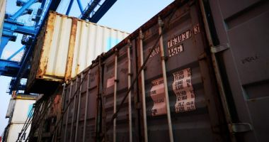 Jucării de aproape 100.000 de lei, confiscate în Portul Constanța