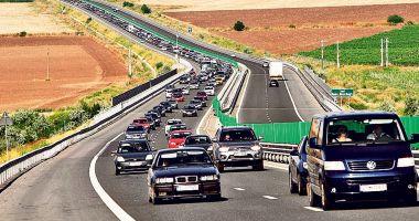 TRAFIC AGLOMERAT PE AUTOSTRADA SOARELUI: aproximativ 30 de mașini pe minut!