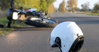 A lovit un motociclist cu masina de politie