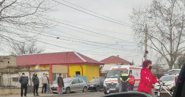 Accident rutier pe strada Cumpenei din Constanța. Un pieton a fost rănit