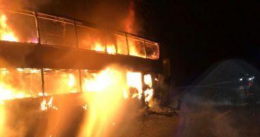 Autocar cu 44 de călători, în flăcări pe Autostrada A1