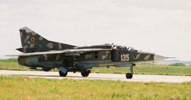Piloți de elită, pe MiG-29. Aterizare de noapte, în condiții grele!