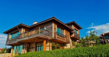 Băncile comerciale vând hoteluri, spații comerciale și industriale, blocuri de locuințe și terenuri