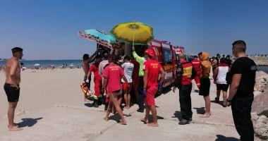 Copil scos din mare, inconștient, pe plaja din Faleză Nord