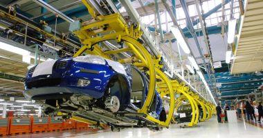 Fiat-Chrysler își va redeschide fabricile din Italia