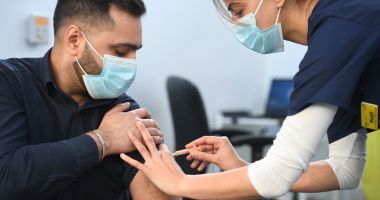 Aproape 62.000 de români au fost vaccinați în ultimele 24 de ore. Câte reacții adverse au fost raportate