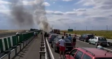 Circulație îngreunată pe Autostrada Soarelui, după ce o mașină a luat foc