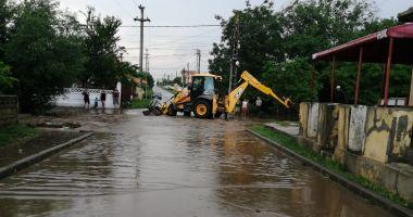 COD ROȘU de PLOI TORENȚIALE, la Constanța. Inundații, în județ
