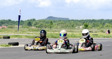 Gata de start, în etapa a lll-a a Campionatului Național de karting
