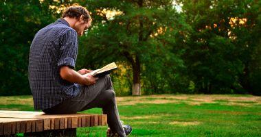 """Carte de septembrie: """"Nu asculţi. Ce îţi scapă şi de ce contează"""""""