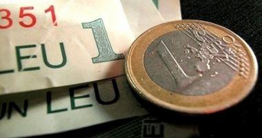 Euro a cedat 0,02% în lupta cu leul