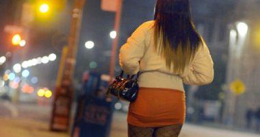 Zeci de românce, prostituate de lux în Londra! Percheziții și în Constanța